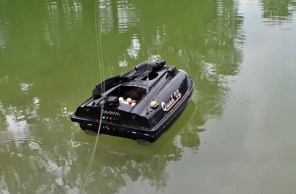 Qu'est-ce qu'un bateau amorceur